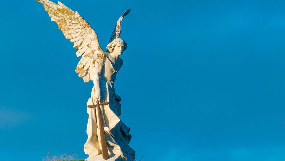 Tajemnicze anioły zborów w Objawieniu 1:20 i 2:1-7